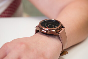 The Apple Watch and Galaxy Watch 3 were very popular last quarter