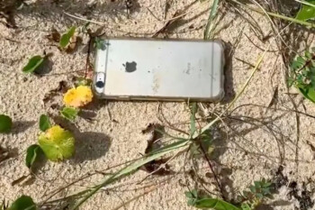 Apple iPhone 6s falls from an airplane window and lives to record the tale