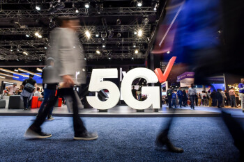 Verizon goes after T-Mobile for once (kind of), touting its own big 5G ambitions
