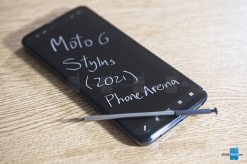 Here's how you can save a cool $100 on Motorola's four hot new US phones