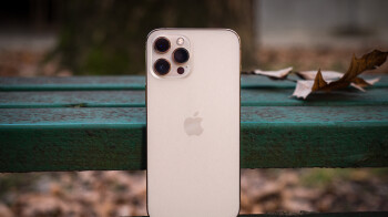 iPhone hits record US market share as flagship demand grows
