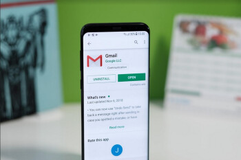 Some iPhone and iPad users receive warning from Google not to log in to Gmail under this scenario