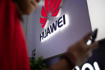 Huawei plans to cut smartphone production in half