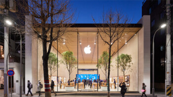 All 270 U.S. Apple Stores are now open