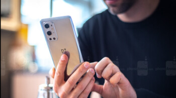 Take a look at the official videos for the OnePlus 9 5G and the OnePlus 9 Pro 5G