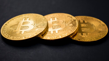 Fake iOS app steals one million dollars in Bitcoins taking a victim's life savings