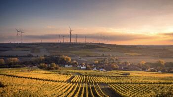 Facebook just made the world a better place: 100% renewable energy