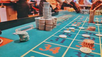 Basic iOS children's app doubled as a secret online casino