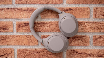 Sony's best noise-canceling headphones are back to record low of $278