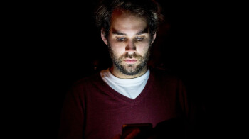 Your iPhone's Night Shift won't help you sleep better, study finds