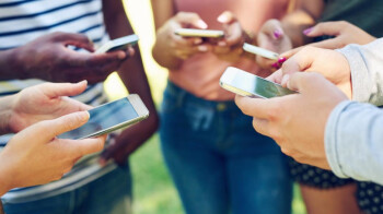 Check out this infograph to see if you're addicted to smartphones