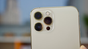 iPhone 14 might have elements of Samsung's coveted folded zoom technology