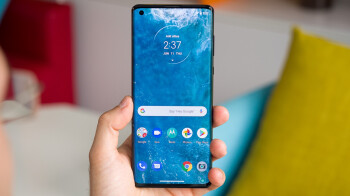 Motorola Edge 20 and Edge 20 Pro show up with full specs and live images
