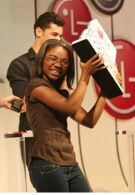New York teen wins LG Texting Championship