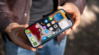 Bizarre rumor says iPhone 14 will have both a notch and hole-punch cutout