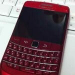 BlackBerry Bold 9780 just might also be painting the town red