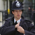 British police urged to use SMS instead of radios