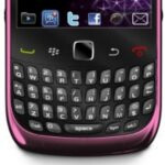 Fuchsia pink version of the BlackBerry Curve 3G is coming out in time for Valentine's Day