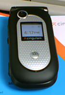 Cingular launches Motorola V365