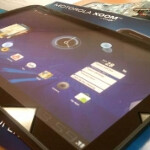 Displays of the Motorola XOOM make their way into Verizon stores