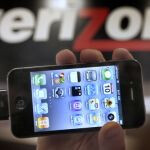 Verizon iPhone 4 unlocked to work with other CDMA networks
