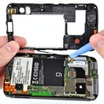 Motorola ATRIX 4G is torn down by iFixit