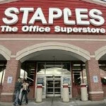 Staples to launch Wi-Fi only Motorola XOOM and BlackBerry PlayBook next month