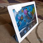 Apple iPad 2 Smart Cover Demonstration