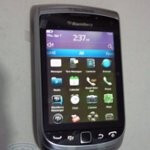 BlackBerry Torch 2 shows off its pretty VGA touchscreen & 1.2GHz processor