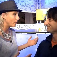 Joe Belfiore caught in a corner by Laura Foy, epic video of WP7's Mango update ensues