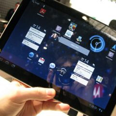Motorola shipped only 250,000 XOOM tablets, posting a significant loss
