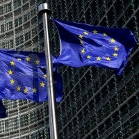 European Commission to propose roaming and data charges slash with 40% and more by 2014