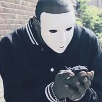 "British rapper knocks BlackBerry with ""BB is Dead"""