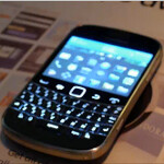 BlackBerry Bold 9900 reappears as star of quick video showing NFC capabilties