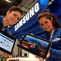 Newest Samsung Galaxy Tab 10.1 promo video places it featherweight