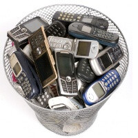 Americans replace their cell phones every 2 years, Finns – every six, a study claims