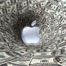 Apple now has more cash than the federal operating balance, and most among the US non-financial firms