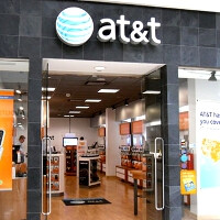 FCC to review together the T-Mobile takeover and Qualcomm spectrum purchase by AT&T