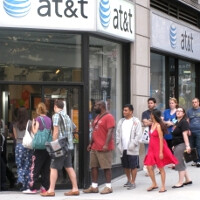 AT&T warns employees to prepare for early October iPhone launch