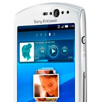 Sony Ericsson Xperia neo V breaks cover, 2011 Xperia lineup getting Gingerbread 2.3.4 in October