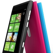 Microsoft's Joe Marini tweets Nokia Windows Phone has slick looks, wishing for a bigger screen