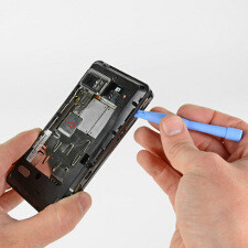 Motorola Droid Bionic gets torn down: scores great in repairability