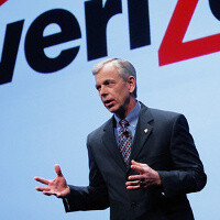 Verizon's chief executive defends AT&T, T-Mobile merger