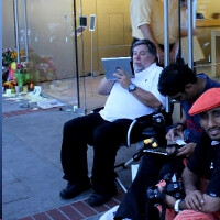 Apple fans forming lines again to get the iPhone 4S first, iOS 5 and iCloud launch turbulent