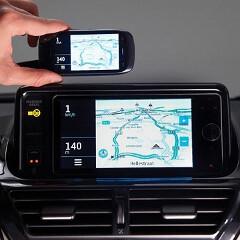 Toyota's iQ the first vehicle to MirrorLink your smartphone screen on the infotainment display