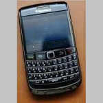 BlackBerry Bold 9790 sits for more photos, looks ready to launch