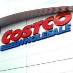 Costco puts BlackBerry up for sale; AT&T's BlackBerry Bold 9900 just $49.99 on contract