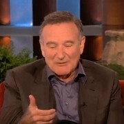 Watch Robin Williams imitate Siri with a French accent