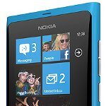 Nokia Lumia 800 survives two story plunge
