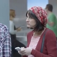 Samsung strikes again at Apple fanboys with another Galaxy S II ad